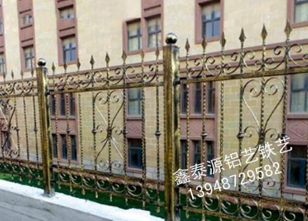 铁艺护栏供货商