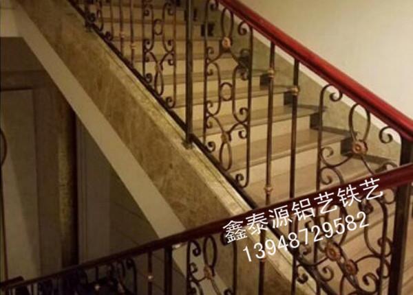 铁艺楼梯扶手安装