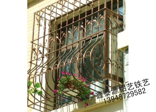 铁艺护窗安装