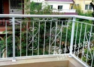 铁艺阳台护栏安装